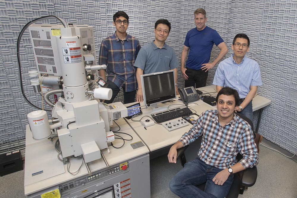 SBU grad students in the Center for Functional Nanomaterials
